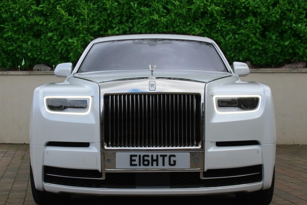 Rolls Royce Phantom 8 front